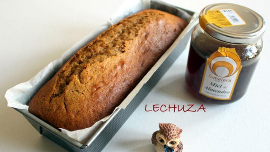 Entrada AA. Bizcocho israeli con miel de almendro