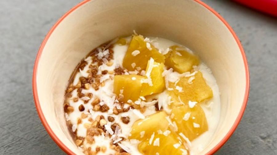 Entrada AA. Porridge piña y coco